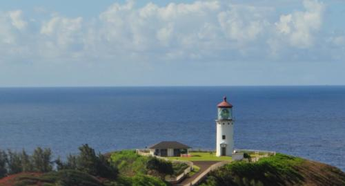 Lighthouse on the Hillside - Luz